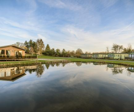 5 star holiday park Herefordshire Arrow Bank