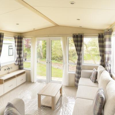 second holiday caravans for sale at Arrow Bank